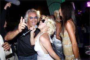 flavio-briatore-chiude-il-billionaire-la-discoteca-dei-vip-a-porto-cervo-2-4484477_0x410